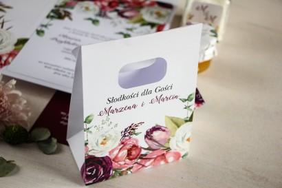 Torebeczka na podziękowania dla gości. Kwiatowy wzór z różowymi i purpurowymi piwoniami i tulipanami