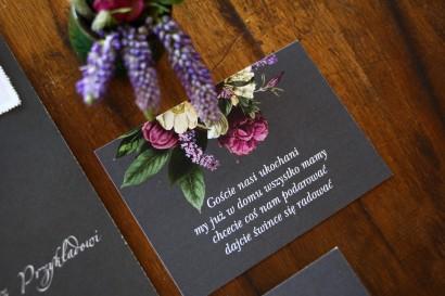Bilecik do zaproszeń jesiennych zaproszeń ślubnych. Grafika z kwiatowym bukietem w stylu vintage