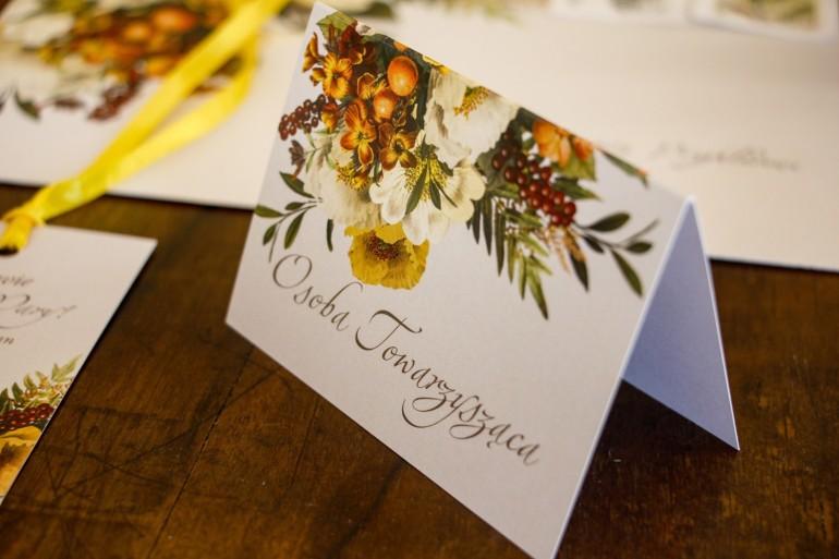 Winietki ślubne z botanicznym bukietem w stylu vintage.