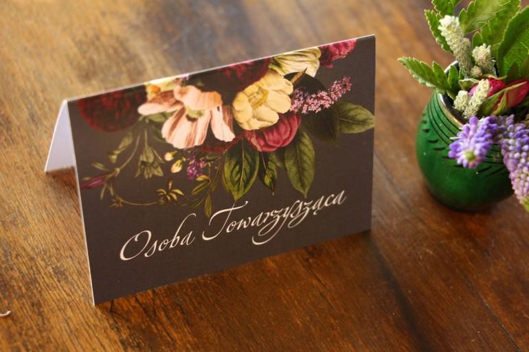 Winietki ślubne z kwiatowym bukietem w stylu vintage