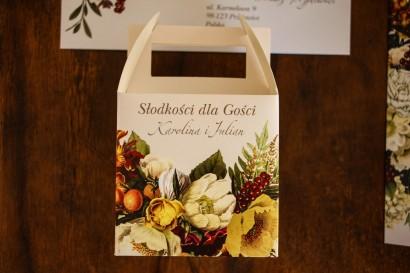 Kwadratowe Pudełko na Ciasto weselne z botanicznym bukietem w stylu vintage