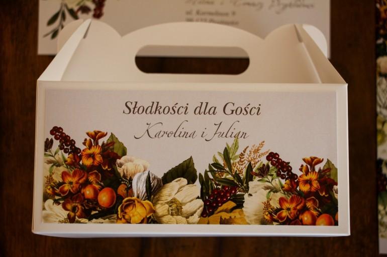 Prostokątne Pudełko na Ciasto weselne z botanicznym bukietem w stylu vintage