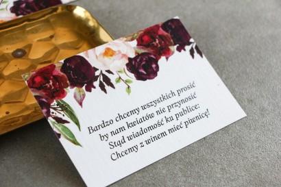 Burgundowy Bilecik do zaproszeń ślubnych z różami, paprocią i eukaliptusem