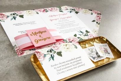 Różowe zaproszenia ślubne w stylu glamour z różami i białymi piwoniami