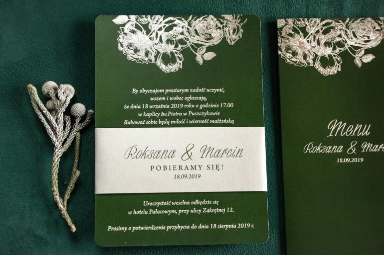 Eleganckie zielono – srebrne zaproszenia ślubne w stylu glamour ze srebrną, perłową opaską