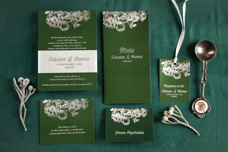 Eleganckie zielono – srebrne zaproszenia ślubne w stylu glamour ze srebrną, perłową opaską - zestaw próbny