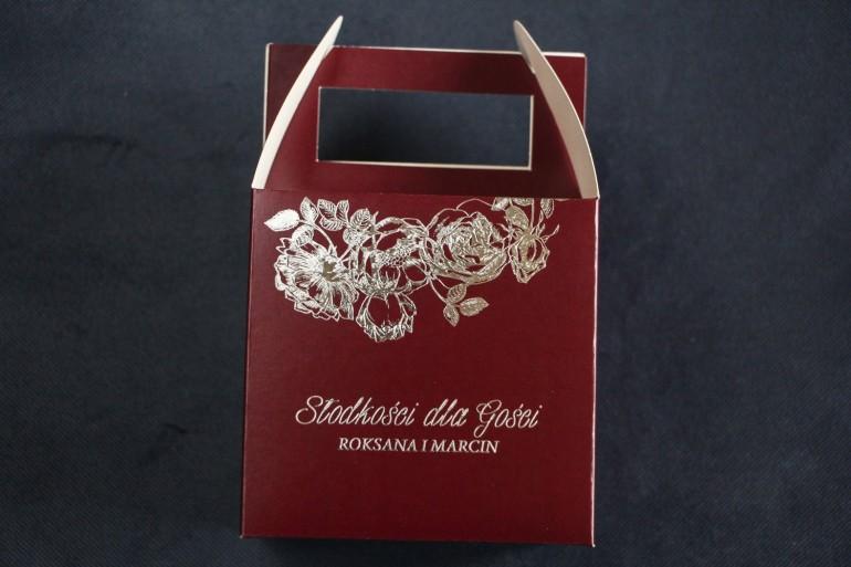 Bordowo - Srebrne Pudełko na Ciasto weselne ze srebrzeniem w stylu Glamour jako podziękowania dla gości.