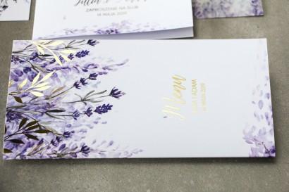 Fioletowe Menu weselne z wrzosami i złoconymi gałązkami w stylu glamour