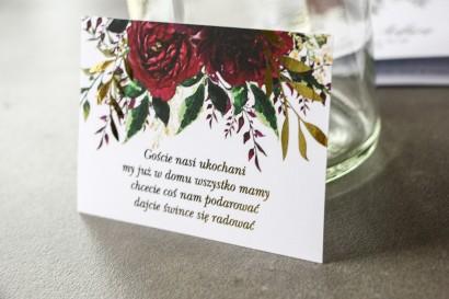 Bordowy Bilecik do zaproszeń ślubnych ze złoconymi gałązkami w stylu glamour, motyw bordowych piwonii z zielonymi gałązkami