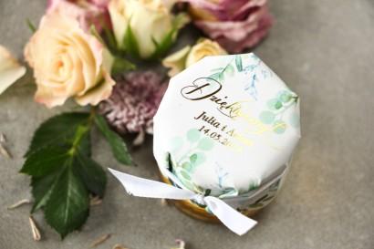 Słoiczek z miodem - słodkie podziękowanie dla gości weselnych. Pastelowy, różowy kapturek ze złoconymi napisami w stylu glamour