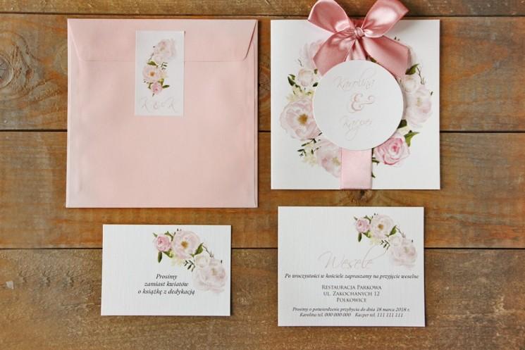 Zaproszenie ślubne z kokardą, kolorową kopertą + bileciki - Akwarele nr 8 - Jasnoróżowe piwonie