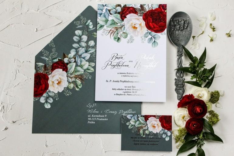 Zaproszenia ślubne z burgundowymi i różowymi piwoniami w stylu glamour ze srebrnym tekstem