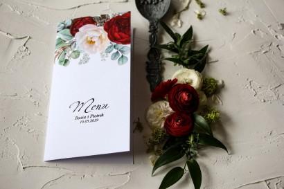 Menu ślubne z burgundowymi i różowymi piwoniami w stylu glamour ze srebrnym tekstem