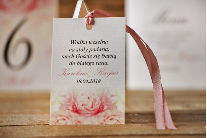 Zawieszka na butelkę, wódka weselna, ślub - Akwarele nr 9 - Różowe piwonie