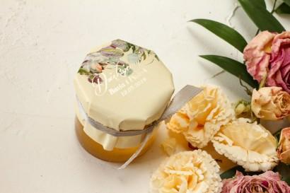 Słoiczek z miodem podziękowanie dla gości weselnych. Kremowy Kapturek w stylu glamour z bukietem w stylu vintage