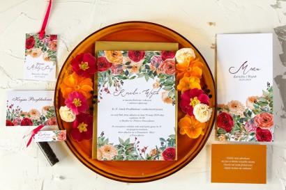 Zaproszenia ślubne z pomarańczowymi i amarantowymi różami, jasne żywe kolory uzupełnione złotą, perłową kopertą