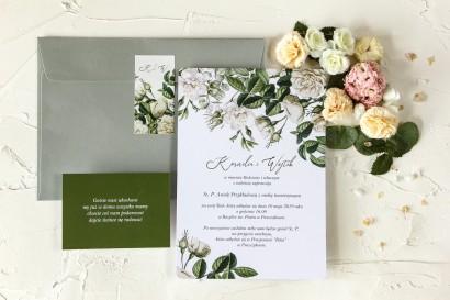 Zielone zaproszenia ślubne z białymi różami i delikatnymi zielonymi gałązkami