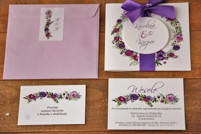 Zaproszenie ślubne z kokardą i kolorową kopertą - Akwarele nr 11 - Fioletowe kwiaty