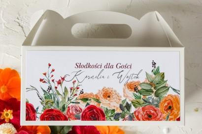 Podziękowanie dla gości weselnych, prostokątne pudełka na ciasto z pomarańczowymi i amarantowymi różami