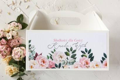 Podziękowanie dla gości weselnych, prostokątne pudełka na ciasto z różowymi piwoniami i daliami