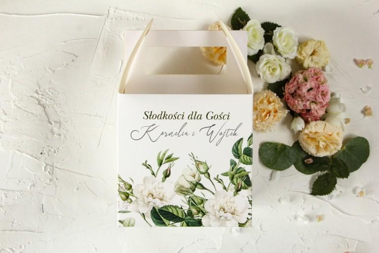 Zielone Pudełko na Ciasto Weselne z białymi różami i delikatnymi zielonymi gałązkami