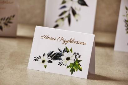 Ślubne winietki, wizytówki na stół weselny ze złoceniem, z białymi anemonami, granatem i zielenią - Cykade nr 3