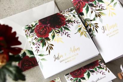 Burgundowe, bordowe zaproszenia ślubne ze złoconymi gałązkami w stylu glamour, motyw bordowych piwonii z zielonymi gałązkami
