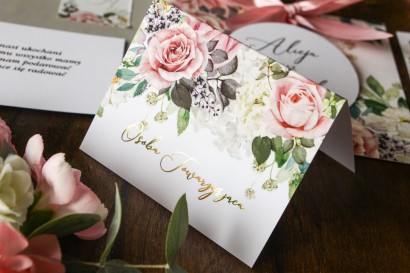 Delikatne Winietki ślubne w stylu glamour z dodatkiem pudrowych róż oraz białej hortensji