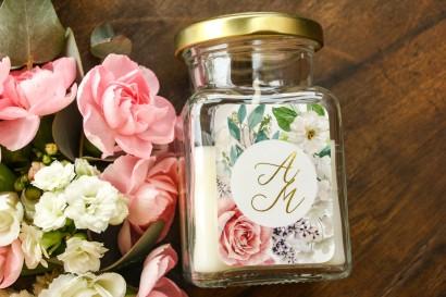 Świeczki - podziękowania dla gości weselnych w stylu Glamour. Złocona etykieta z dodatkiem pudrowych róż oraz białej hortensji
