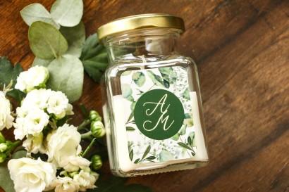 Świeczki - podziękowania dla gości weselnych w stylu Glamour. Złocona etykieta z eukaliptusem i gipsówką