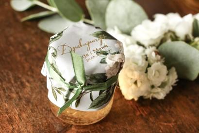 Słoiczek z miodem - słodkie podziękowanie dla gości weselnych. Kapturek w stylu glamour z białymi piwoniami