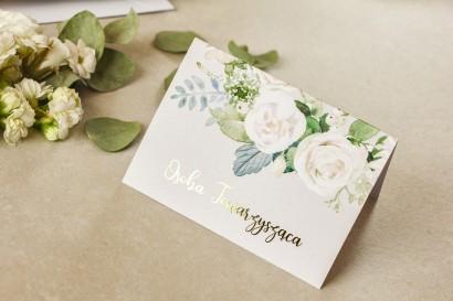 Kwiatowe Winietki Ślubne ze złoceniem oraz białymi różami i piwoniami z dodatkiem zielonych gałązek