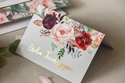 Kwiatowe Winietki Ślubne ze złoceniem w stylu glamour z burgundowymi i bordowymi piwoniami z dodatkiem różu