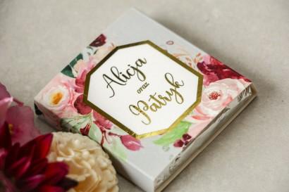Podziękowanie dla gości weselnych w postaci mlecznej czekoladki, owijka z złoconą ramką oraz napisami - Lotus nr 2