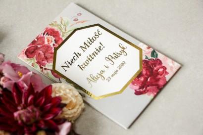 Podziękowania dla gości weselnych w formie nasion - Opakowanie z piwoniami w różnych odcieniach różu i burgundu