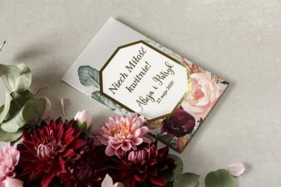Podziękowania dla gości weselnych w formie nasion - Opakowanie z burgundowymi i bordowymi piwoniami