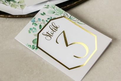 Numery stolików weselnych ze złoceniem w stylu Glamour - Subtelny wzór z eukaliptusem
