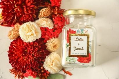Świeczki ślubne - podziękowania dla gości weselnych. Etykieta ze złoceniami oraz z bordowymi i białymi różami