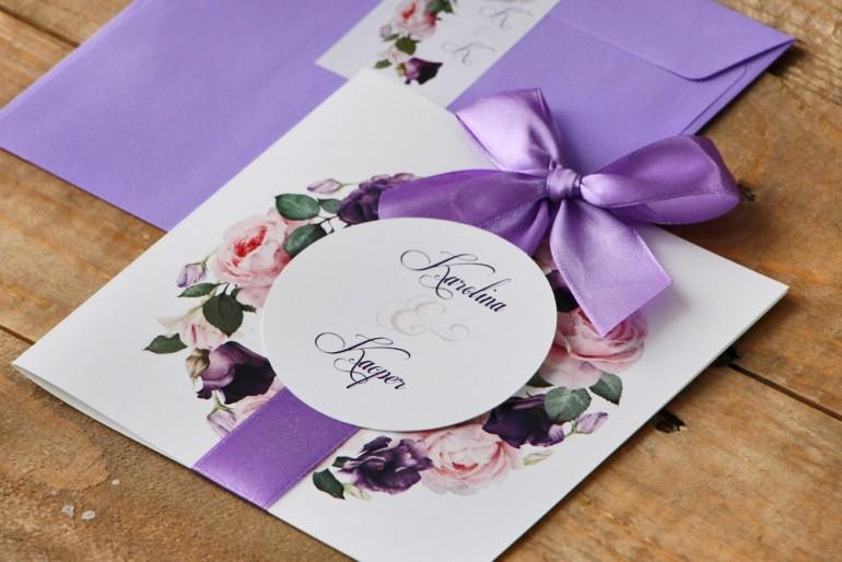 Zaproszenie ślubne z kokardą i kolorową kopertą - Akwarele nr 16 - Pudrowe i fioletowe róże