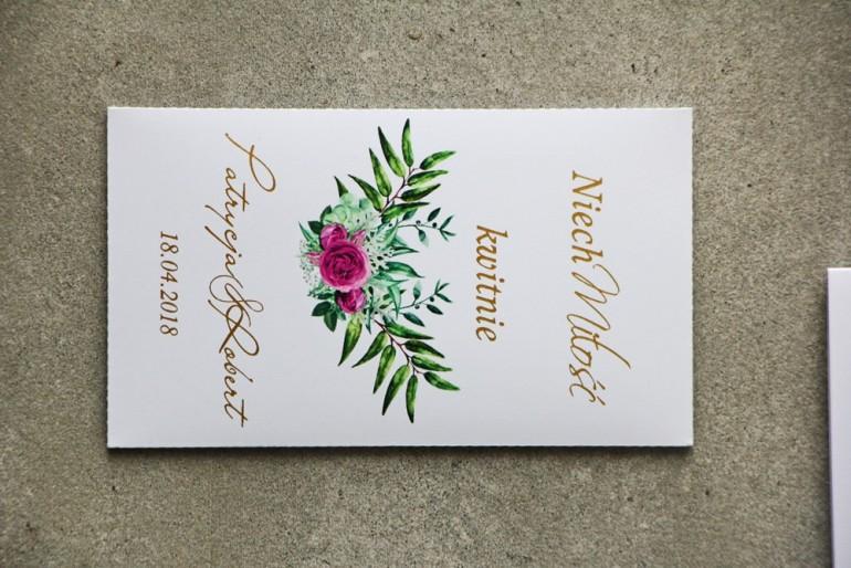 Podziękowania ślubne ze złoceniem, zieloną kompozycją gałązek oraz kwiatami róży. Złote podziękowania w formie nasion