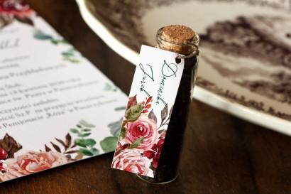 Buteleczka z Herbatą - Ślubne Podziękowania dla gości. Przywieszka z różowym bukietem i zielonymi gałązkami