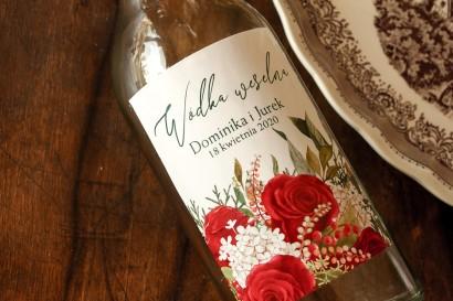 Ślubne Etykiety samoprzylepne na butelki z czerwoną różą i zielonymi gałązkami z dodatkiem bieli