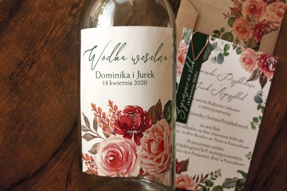 Ślubne Etykiety samoprzylepne na butelki z różowym bukietem i zielonymi gałązkami