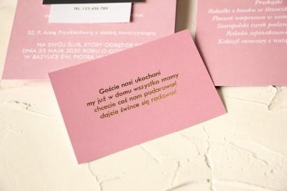 Pudrowo różowy Bilecik ze złoceniem do zaproszeń ślubnych