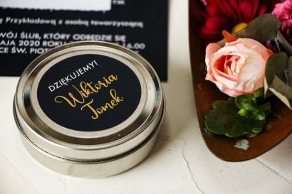 Okrągłe Świeczki Ślubne ze złoconą etykietą w kolorze granatowym - Podziękowania dla Gości