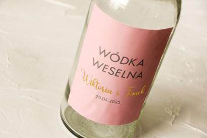 Ślubne, Złocone Etykiety na butelki na alkohol w kolorze pudrowego różu