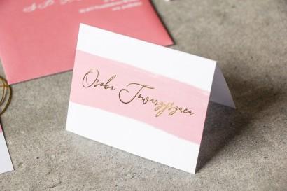 Winietki Ślubne z akwarelową grafiką ze złotą personalizacją w kolorze pudrowego różu