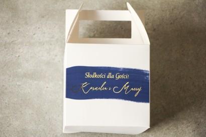 Ślubne Pudełko na Ciasto weselne (kwadratowe) z granatową akwarelową grafiką ze złotym napisem