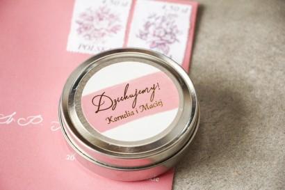 Okrągłe Świeczki Ślubne - podziękowania dla gości weselnych z różową akwarelową grafiką i złotym napisem