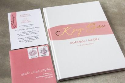 Ślubna Księga Gości z różową akwarelową grafiką i złotym napisem